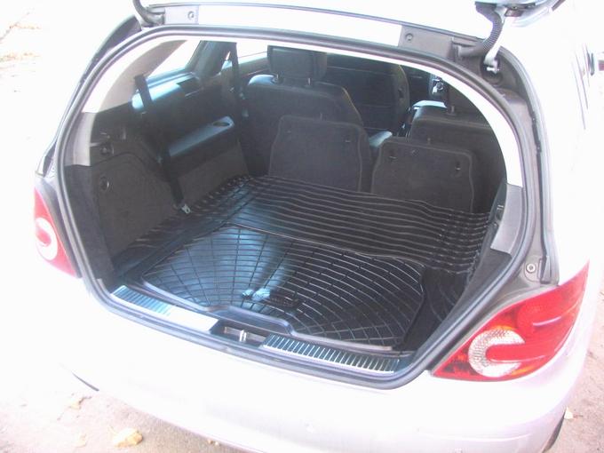Complexion Automotive Rubber Boot Mat Liner Mercedes R
